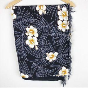 SARONG | Black & White Hawaiian Hibiscus Print